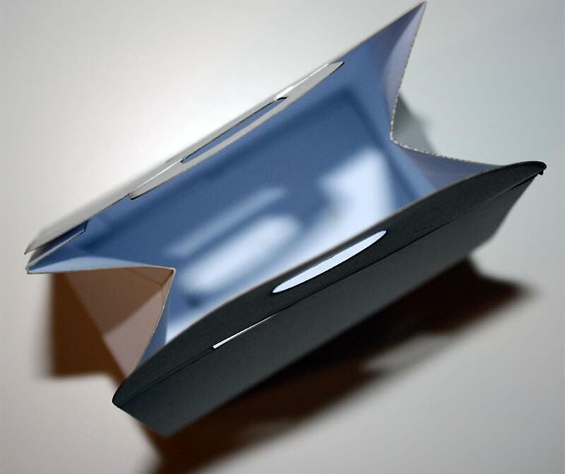 Kartonnen dozen lasersnijden met een CO2 laser