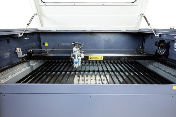 MQ1390C High-Power CO2 Combi metaal hout kunststof lasersnijder binnenzijde