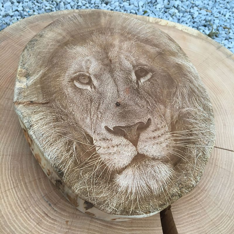 Laser engraving on real wood