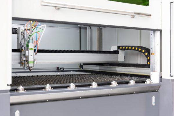 Laserkamer MetaQuip FC1390 metaal lasersnijder