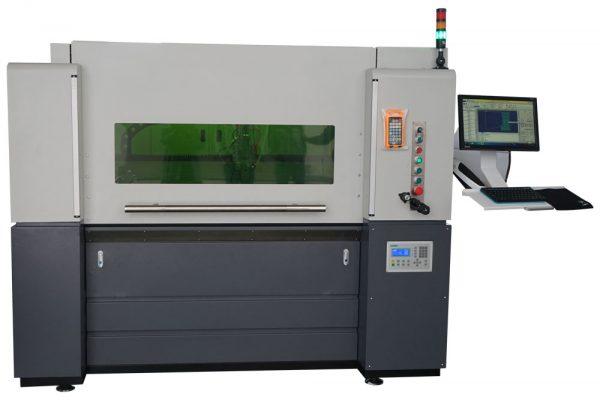 fC1390 Metaal fiber lasersnijder front